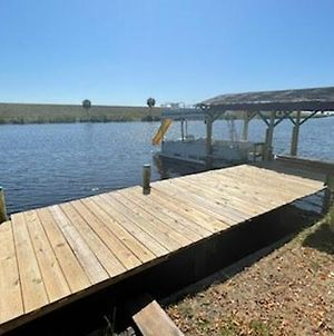 Rim Canal Cottage - Access To Fishing, Just Off Lake Okeechobee! Cottage photos Exterior