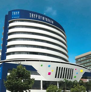 Tryp By Wyndham Guayaquil photos Exterior