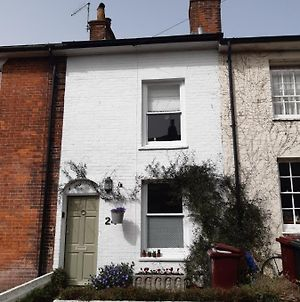 Pretty 3 Bed, Grade 2 Listed Cottage photos Exterior