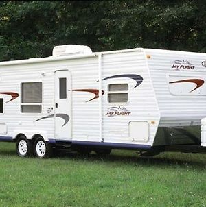 Deluxe Glamping Rv By The Garland Owl photos Exterior