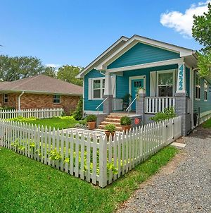 New!! Beaches Open! Umbrella And Chairs Provided! Remodeled -The Blue Pelican photos Exterior