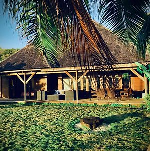 Bora Bora Waterfront Sunrise Villa photos Exterior