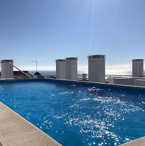 North Breeze - 2 Bedroom Apartment With Rooftop Pool photos Exterior