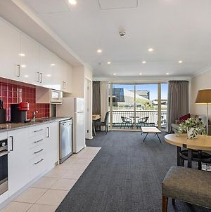Cosy Unit With Balcony Near Dining And Shopping photos Exterior