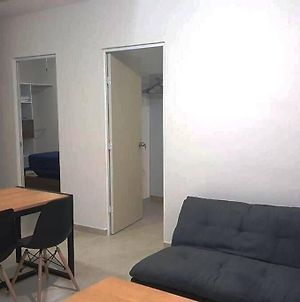 Condo 2 Bedroom 1 Ba 3 Mi. From The Beach, The Best Price And Location photos Exterior