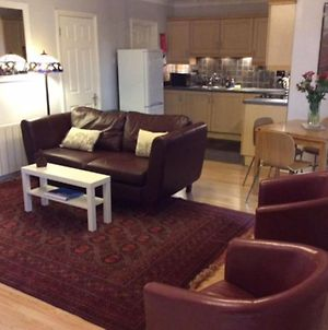 Stansted Spacious 2-Bed Apartment, Easy Access To Stansted Airport & London photos Exterior