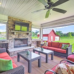 Grand Lafollette Home With Covered Patio On 40 Acres! photos Exterior