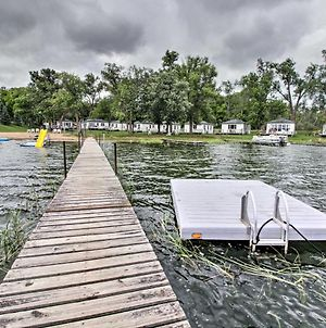 Lake Retreat With Dock, Deck And Bbq, Byo Boat! photos Exterior