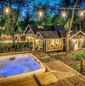 Secluded Fenced Cottage W Dune Top Hot Tub Near Hiking Dog Friendly photos Exterior