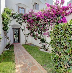 Modern House Only A 3 Minute Walk To The Beach. photos Exterior