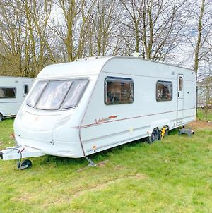 Stayzo A Comfy Touring Caravan - With Free Wi-Fi In The Chiltern Hills photos Exterior