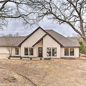 Lake Texoma Retreat With Deck Less Than 1 Mi To Marina! photos Exterior