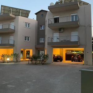 Heraklion City Apartment With Private Parking photos Exterior