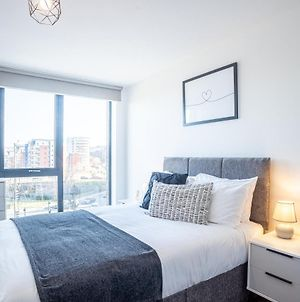 Great Central 2 Bed Apartment & Free Parking By Opulent Living Serviced Accommodation Sheffield photos Exterior