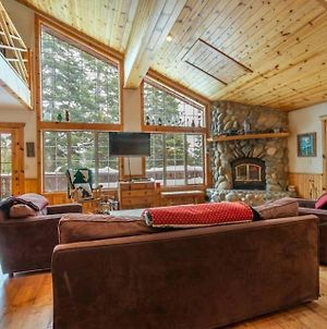 Bravo By Avantstay - Tahoe Donner Escape W Hot Tub & Pool Table photos Exterior