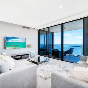 5 Bedroom Executive Sub Penthouse In The Heart Of Surfers With Full Ocean Views - Sleeps 14 - Circle On Cavill Amazing!! photos Exterior