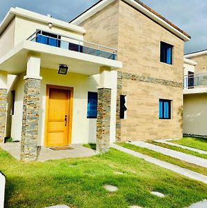 Brand New Vacation Home In Embassy Village photos Exterior