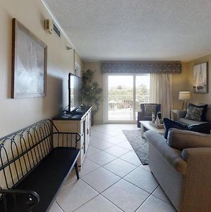 Unit 212 View Overlooking Pool - Free Beach Service - Short Walk To The Beach photos Exterior