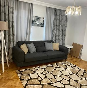 Sunny Cute And Comfy Place In The Heart Of Istanbul For Stay And Work photos Exterior