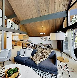 Luxe A-Frame - Game Room, New Kitchen, Gas Firepit Home photos Exterior
