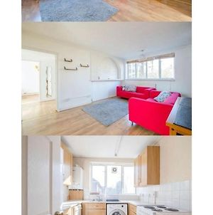 Fabulous Two Bed Flat : Tastefully Furnished photos Exterior