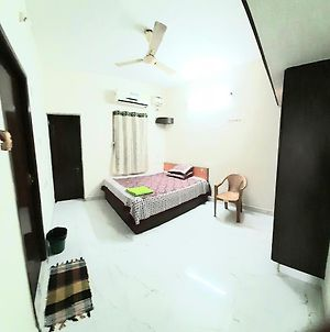 Near Airport Two Bedroom Apartment Ac Fast Wifi Kitchen Access photos Exterior