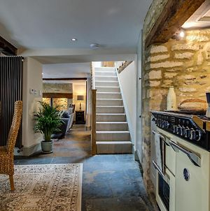 Two Linked Cottages Sleeps 10 Cotswold Town Centre photos Exterior