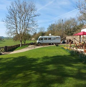 Large Static Motorhome - Stunning Countryside Views photos Exterior