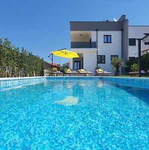 New 2020! 4* Villa Ivona With Pool And Jacuzzi photos Exterior