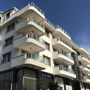 Fully Furnished 2Beds Apartment With The Pool. photos Exterior