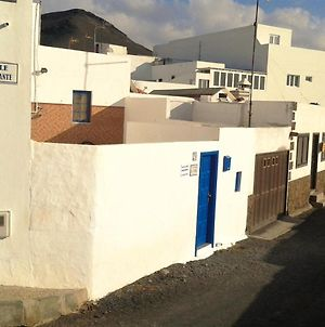 House With 3 Bedrooms In El Golfo Lanzarote With Terrace And Wifi 500 M From The Beach photos Exterior