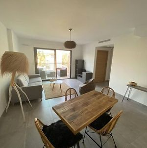 Beautiful Cosy Flat In Downtown Of Sainte Maxime photos Exterior