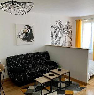 Bel Appartement Refait A Neuf, Face A La Gare Sncf photos Exterior