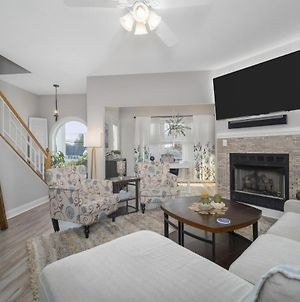Steps Away From Beach With 3 Master Suites photos Exterior