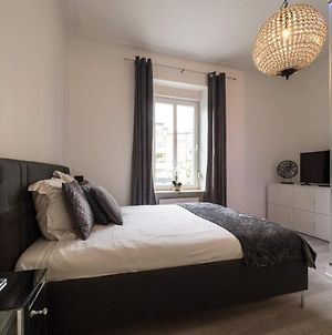Luxury Double Room With En-Suite In Guest House Rue Trevires photos Exterior