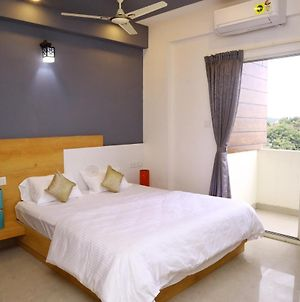 Oakhaven Service Apartments- Spacious 3 Bhk At Btm 2Nd Stage photos Exterior