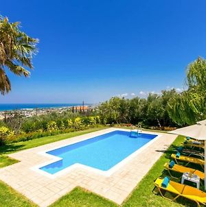 Modern Villa,Stunning View,Pool,Bbq,1.5 Km From Town And The Beach! photos Exterior