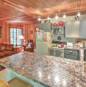 Pet-Friendly One Crow Cottage In Harbor Springs! photos Exterior