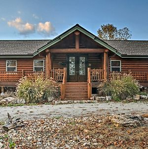 Huge Log Cabin With Deck - 5 Mins To Table Rock Lake! photos Exterior