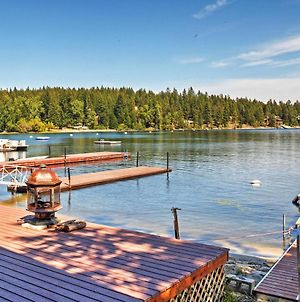 Newport Cabin With Lakefront Private Porch And Grill! photos Exterior