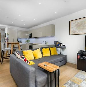 Modern 2 Bed Flat W Wifi - 3Mins To Tube Station photos Exterior