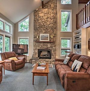 3-Story House With Large Deck In Wintergreen Resort! photos Exterior