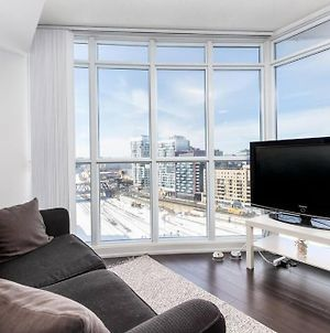 Stylish 1 Bedroom With Desk Near Cn Tower photos Exterior