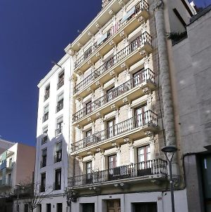 Beautiful 2 Bedroom Apartment Close To Sagrada Familia. We Are New Serviced Apartment, Come And Stay With Us! photos Exterior