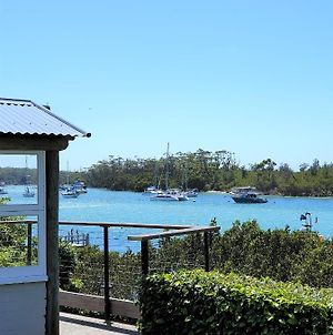 By The Sea Waterfront With Your Own Private Garden And Jetty For Swimming, Fishing And Boating. photos Exterior