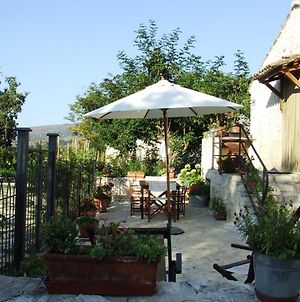 Apartment With One Bedroom In Abbateggio With Wonderful Mountain View Enclosed Garden And Wifi 20 Km From The Slopes photos Exterior