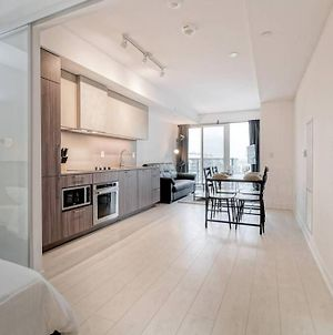 Spacious 3Bed+2Bath Condo In Liberty Village photos Exterior