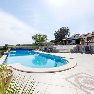 Splitska Villa Sleeps 6 With Pool And Wifi photos Exterior
