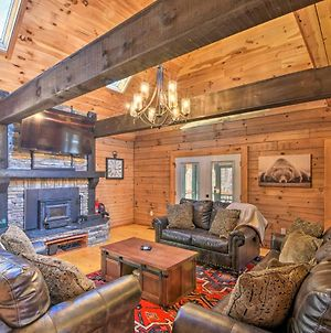 Cabin In Lake Community With Community Pool Access! photos Exterior