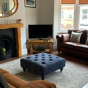 Wicker House - Gorgeous Cosy Filey Cottage Style Central Location - Sleeps 9 photos Exterior
